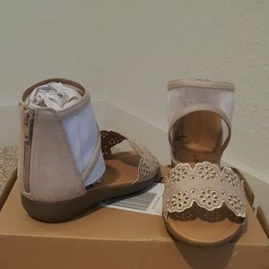 Caia Sandals by Comfortview